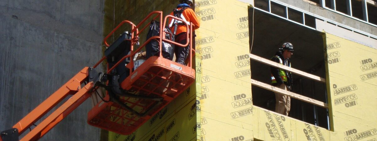 The Advantages Of Renting Lifting Platforms Compared To Buying